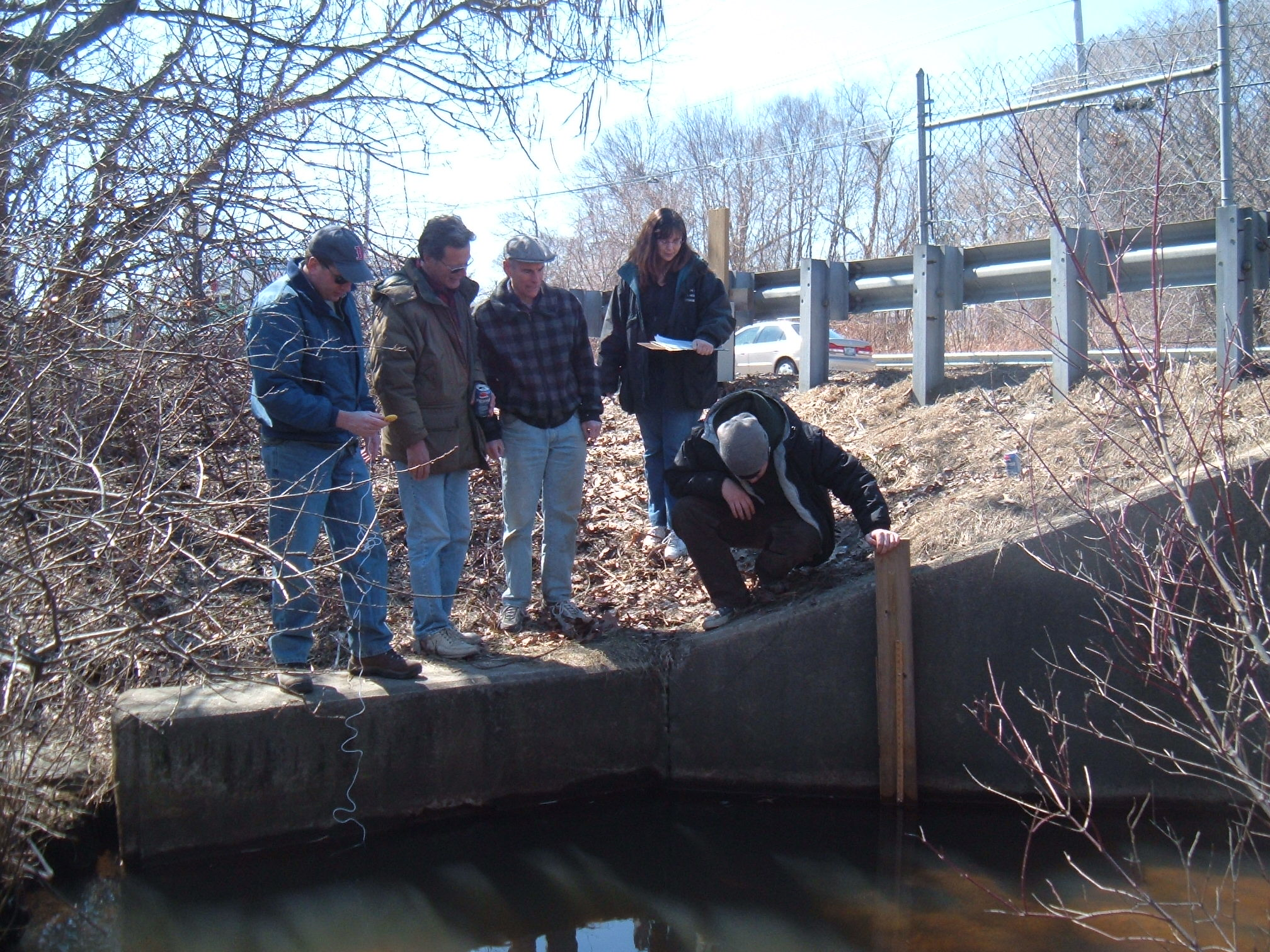 RIDEM F&W Chief Biologist Phil Edwards training Buckeye Brook Volunteers for the annual fish count.